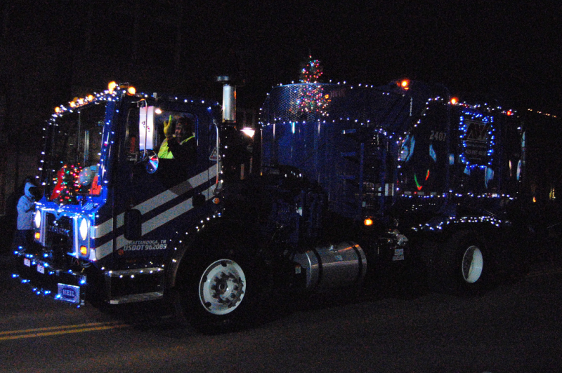 3 Ways To Appreciate Your Garbage Man During The Holidays